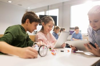 internet-na-educacao-conceitos-para-desmistificar-o-internetes-nas-escolas