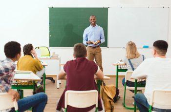 Sistema de avaliação: 6 fatores a considerar ao definir as médias e avaliações
